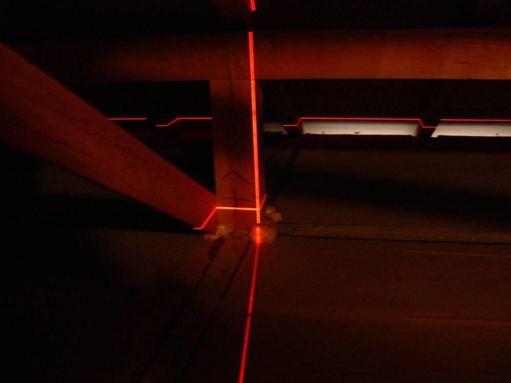 小屋裏の傾き測定(塗装工房)