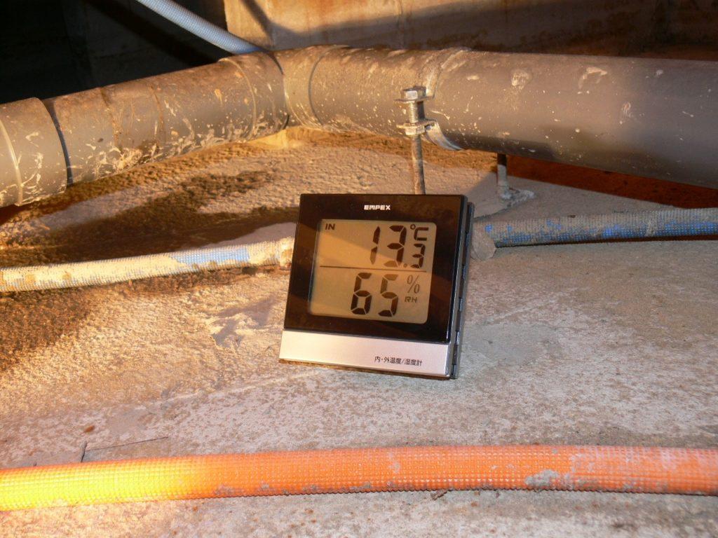 床下の温度と湿度測定(塗装工房)