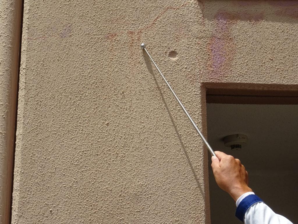 建物の剥離探査の写真(塗装工房)